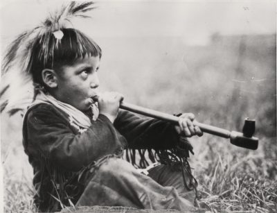 indian-boy-peace-pipe