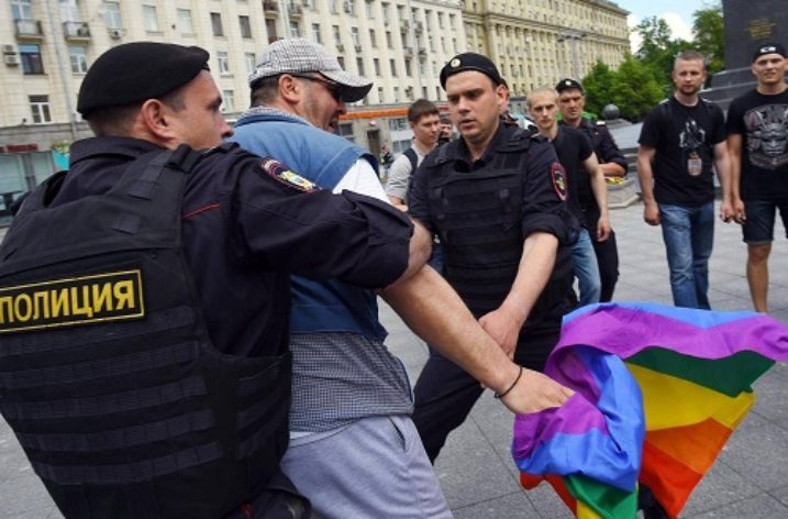 Homophobic laws in Russia lead to anti-LGTBI crackdown in other countries in region
