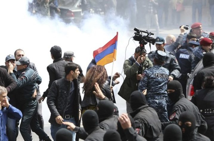 Protests in Armenia continue ahead of vote